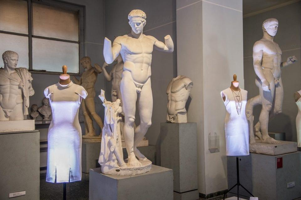 mostra le petite robe blanche altaroma 2020